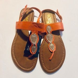🔥2/$20 385 Fifth Size 6 Sandals Peach With Bling